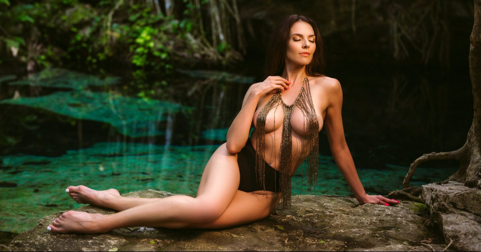 Tulum Boudoir Photos in Cenote