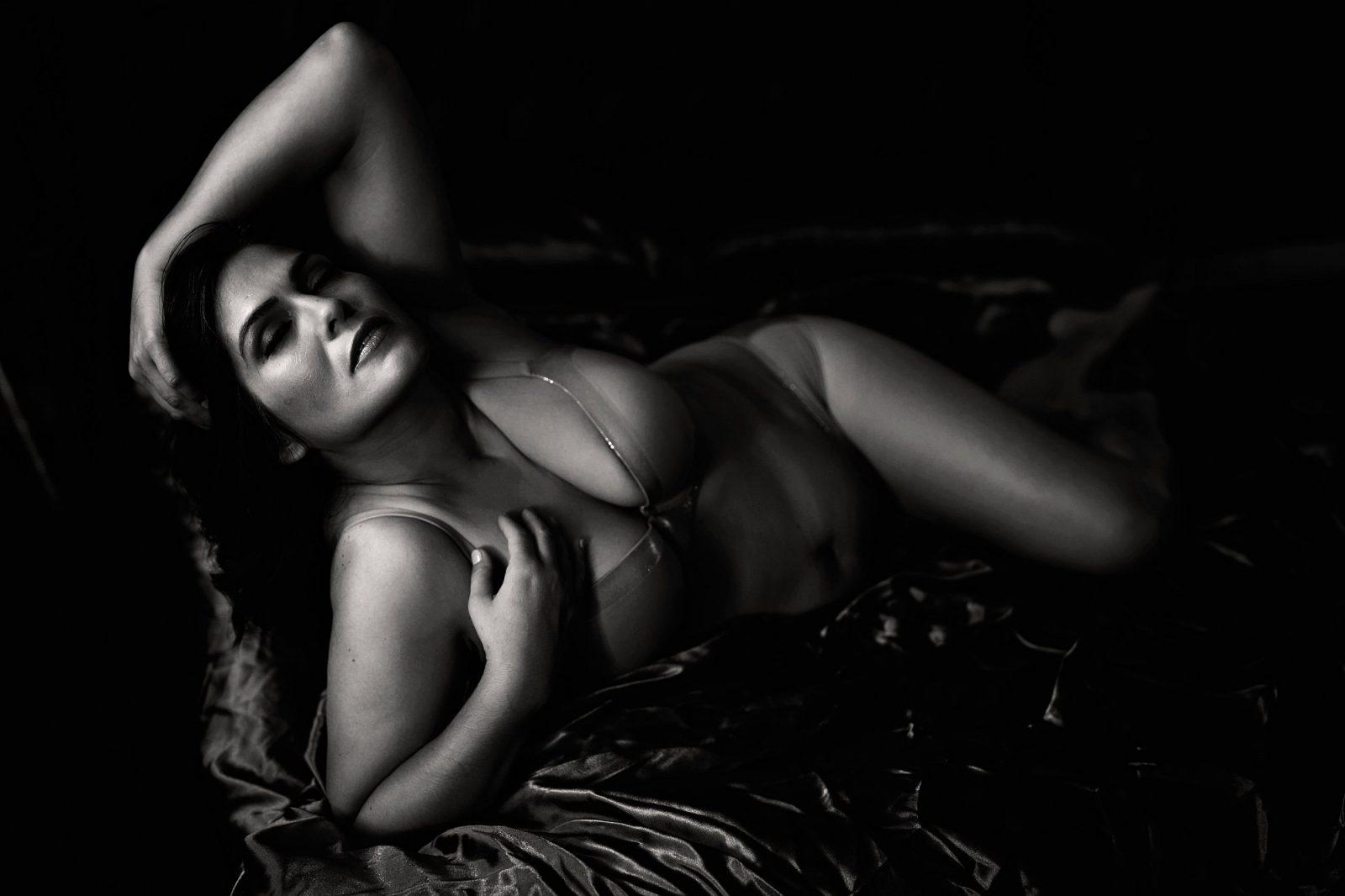 sexy miami boudoir photo shoot
